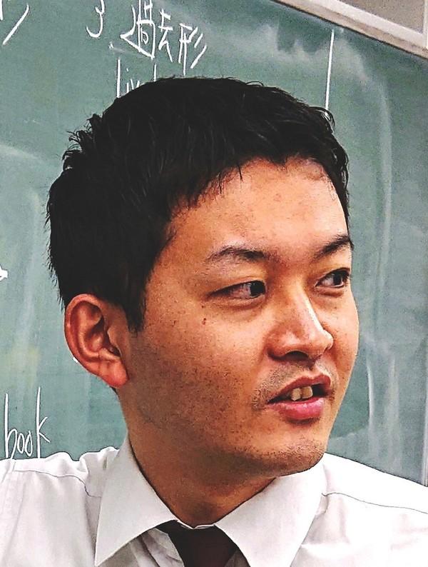 河野裕翔 講師