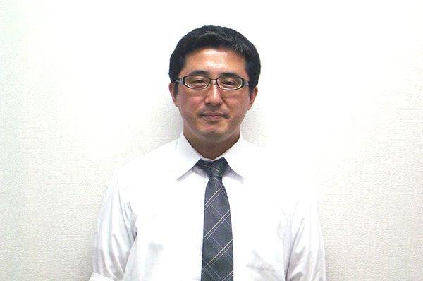 前村 憲太郎(室長)